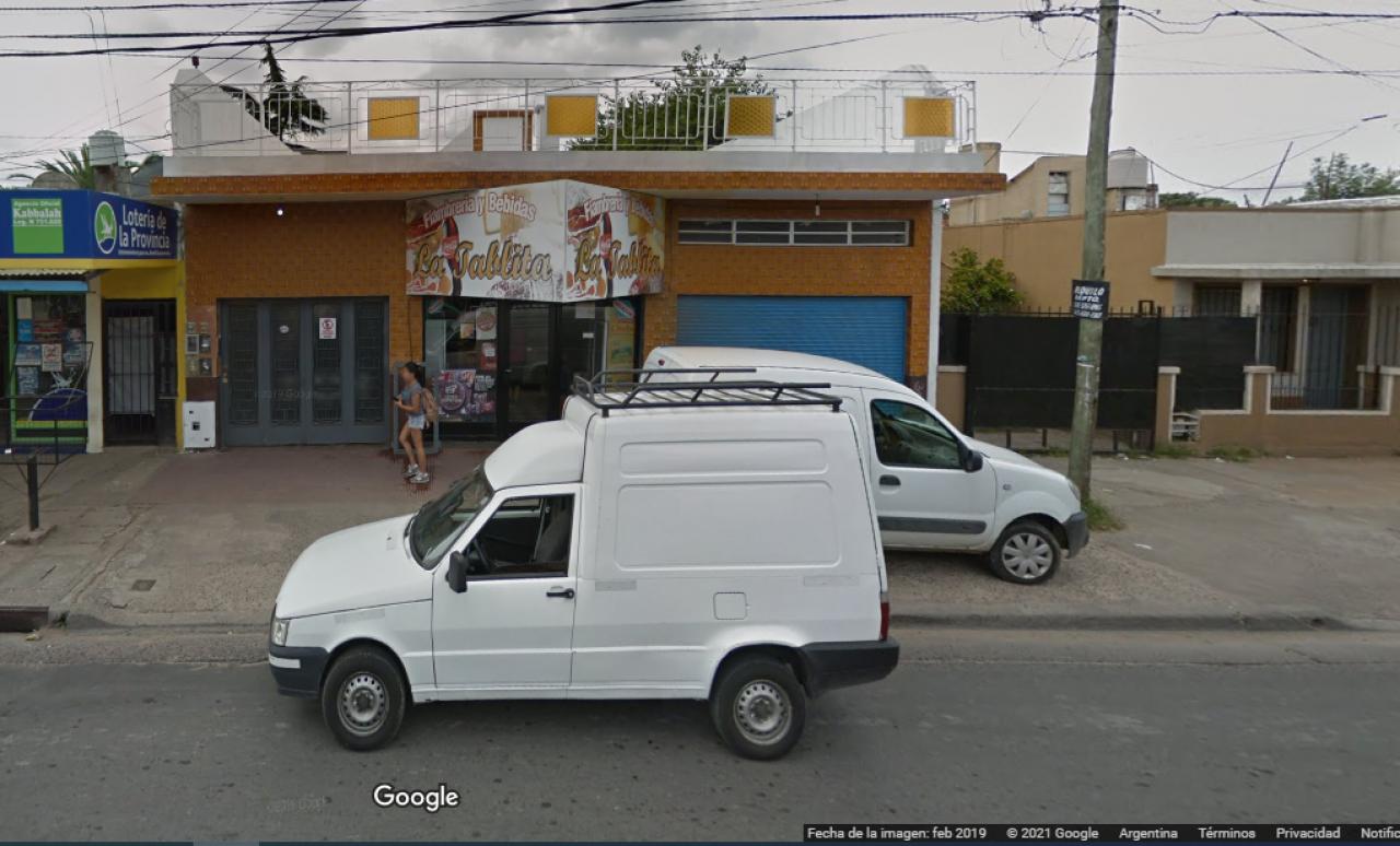 LOCAL COMERCIAL EN AV GASPAR CAMPOS